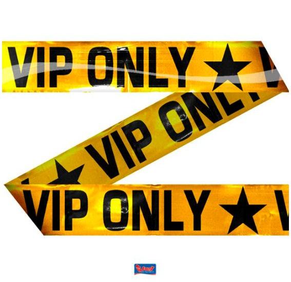 'VIP ONLY' Absperrband, gold/schwarz, ca. 7,5 cm x 15 mtr.