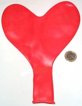 1 Riesen-Herzballon, Latex, rot, ca. 55 cm Ø, ca. 170 cm Umfang